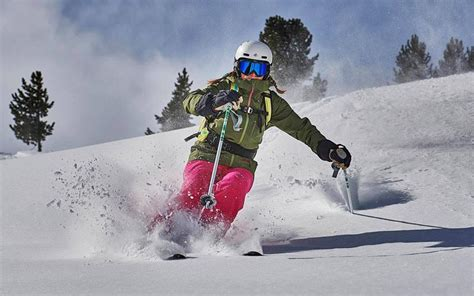 The 11 best women's skis for 2017/18