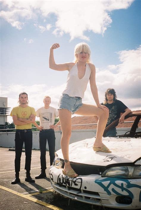 AMYL AND THE SNIFFERS - Damaged Goods