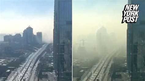 Camera catches horrifying cloud of smog rolling into
