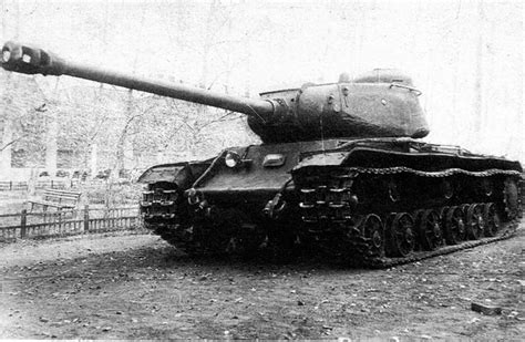 The KV-1S and the 122mm gun