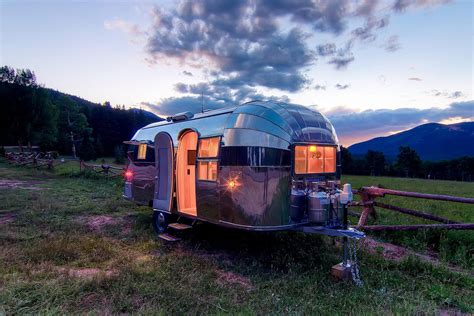 Airstream Flying Cloud Mobile Home | iDesignArch