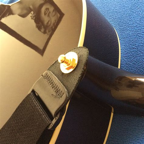 Securing my J45 strap - The Acoustic Guitar Forum