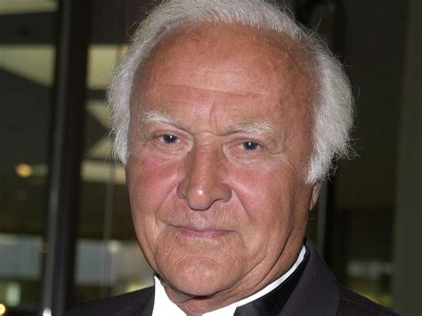 Robert Loggia: Oscar-nominated Scarface actor dies aged 85