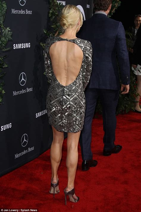 Anna Faris Is Perfectly Polished in Pewter Heels - Shoes Post