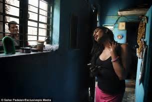 Meet India's transgender women ostracised from their